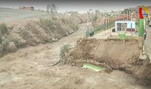 Río Rímac destruye parte de pista y un polideportivo