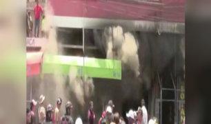 Piura: incendio afecta 60 puestos en concurrida galería