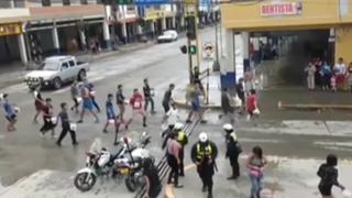 Huaraz: 'carnavaleros' mojan a policías