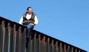 Diputado mexicano escaló muro fronterizo y envió mensaje a Donald Trump