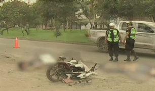 Dos muertos dejó como saldo despiste de moto en Ate
