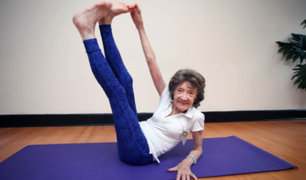 EE.UU.: conozca a la maestra de yoga más longeva del mundo