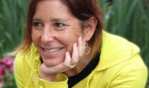 Escritora con cáncer terminal busca pareja para su esposo antes de morir