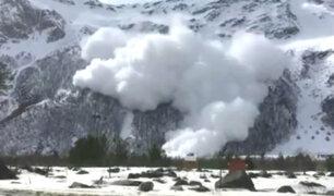 Al menos 6 turistas fueron sepultados por avalancha en Rusia