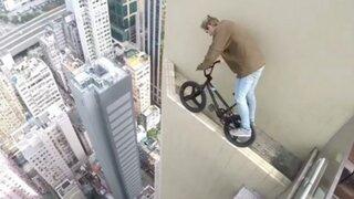 Joven ruso realiza peligrosas acrobacias sobre un rascacielos en Dubái