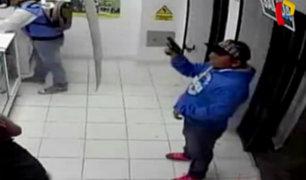 Chimbote: cámaras captan reiterados asaltos a cadena de farmacias