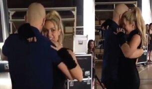 Shakira sorprende con sensuales movimientos de bachata