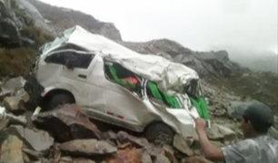Áncash: combi cae en abismo y deja 18 personas fallecidas