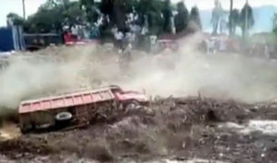 Desborde del río Huaycoloro pone en peligro a la población