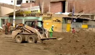 Continúan trabajos de limpieza tras desborde de río Huaycoloro