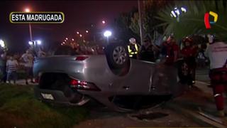 Magdalena: hombre choca auto y luego se lanza por acantilado