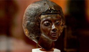 Hallan estatua de la abuela de Tutankamón