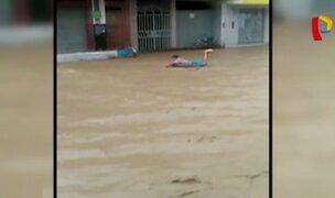 La Libertad: inundaciones obligan a pobladores a movilizarse en llantas y canoas