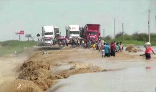 Lambayeque: desborde de río La Leche bloqueó tránsito en la Panamericana Norte