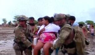Piura: rescatan a mujer embarazada en Catacaos