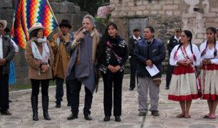 """Unesco entregó a Magaly Solier credenciales como """"Artista de la Paz"""""""