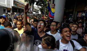 Venezuela: estudiantes protestan por autogolpe de Maduro
