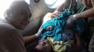 Bebé nace dentro de un helicóptero del Ejército durante dramático rescate