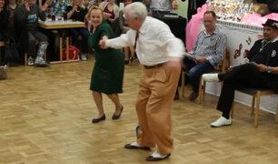 """Ancianos bailarines """"la rompen"""" en las pistas de baile de Alemania"""
