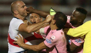 Johnnier Montaño y Adrián Zela se fueron a los golpes en amistoso