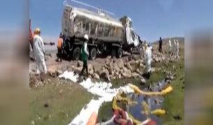 Arequipa: derrame de petróleo tras accidente contamina arroyo
