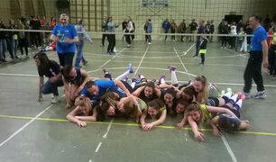 Italia: voleibolistas celebran triunfo tomándose foto semidesnudas