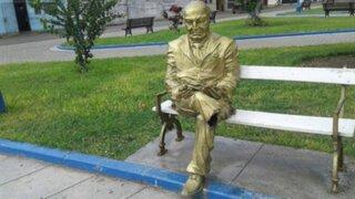 Denuncian mutilación de escultura de Víctor Raúl Haya de la Torre en Trujillo