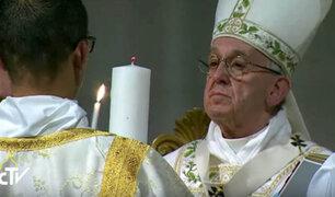 Papa pide paz para Siria durante misa por Domingo de Pascua
