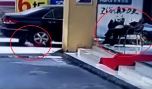 Niña salvó de morir tras ser aplastada por automóvil en China