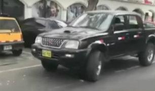 San Isidro: vehículos de la policía se estacionan en ciclovía