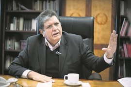 """Alan García: """"Mis adversarios políticos quieren involucrarme en actos delictivos"""""""