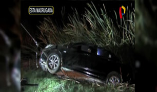 Chorrillos: vehículo se despista en Pantanos de Villa