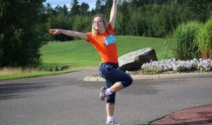 Joven con habilidades diferentes es una experta bailarina