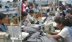 Gobierno no descarta incrementar el sueldo mínimo este año