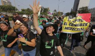 Denuncian que policía reprimió con violencia Marcha Mundial de la Marihuana