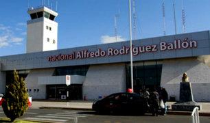 Hombre ebrio arma escándalo en aeropuerto de Arequipa
