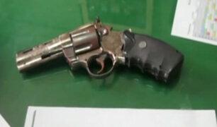 """Escolar encuentra """"arma de fuego"""" en patio de colegio en Piura"""