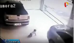 Increíble suerte: niño es arrollado por un auto y sobrevive