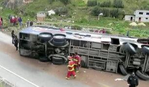 Cerro de Pasco: 12 muertos deja choque frontal entre bus y camión