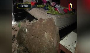 SMP: enorme roca cae sobre precaria vivienda y familia se salva de milagro