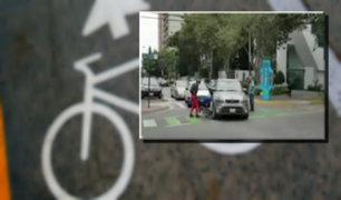 Conductora arrolla bicicleta tras no respetar ciclovía en San Isidro