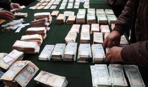 Tumbes: profesora devuelve 100 mil soles que el banco le depositó por error