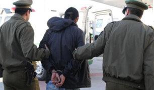 Familia de delincuente agrede a policías para evitar que sea detenido