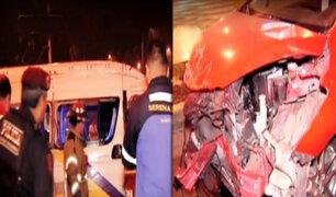 San Borja: combi se vuelca tras chocar con auto dejando 10 heridos