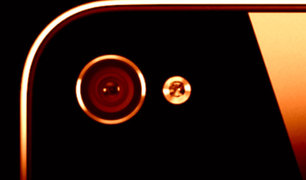 Verdad o mito: ¿Pueden 'hackear' la cámara de tu celular para espiarte?