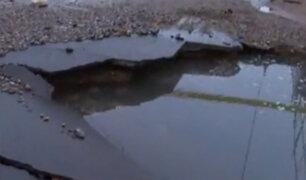 Comas: rotura de tubería dejó varias calles inundadadas