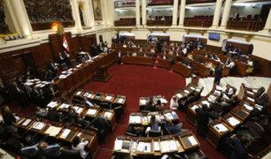 Congresistas de diferentes bancadas piden renuncia del contralor