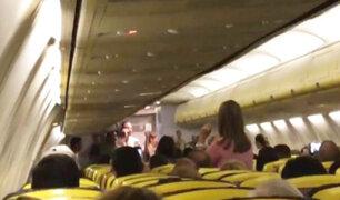 """El tripulante de un vuelo reversionó el tema """"Despacito"""" en un avión"""