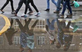 Intensa llovizna cayó sobre Lima durante la madrugada