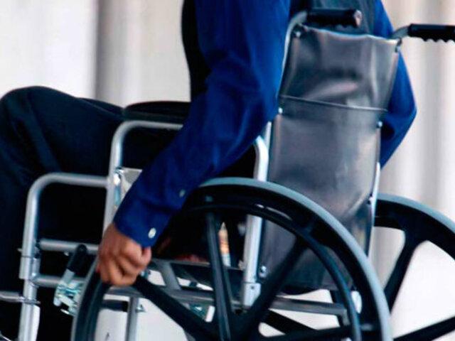 La controvertida ONG que da placer a personas discapacitadas